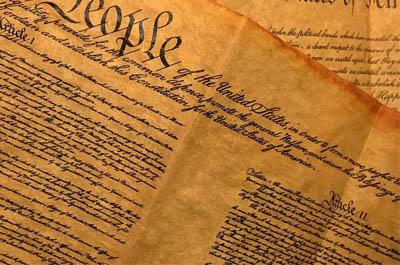 Családi alkotmány, a mumus
